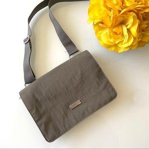 EUC Baggallini Gray Walkabout Crossbody Bag